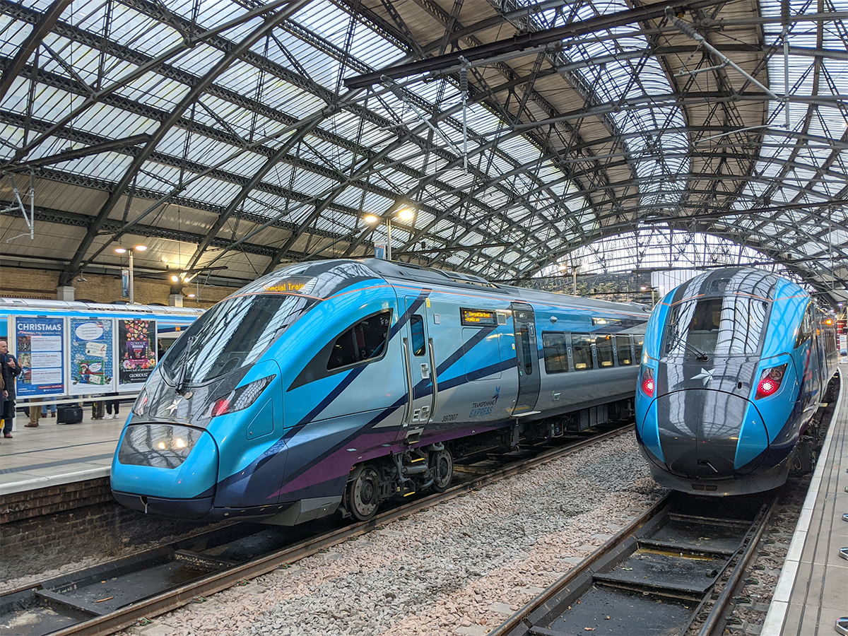 TPE NOVA 2 and NOVA 1 in Liverpool Lime Street